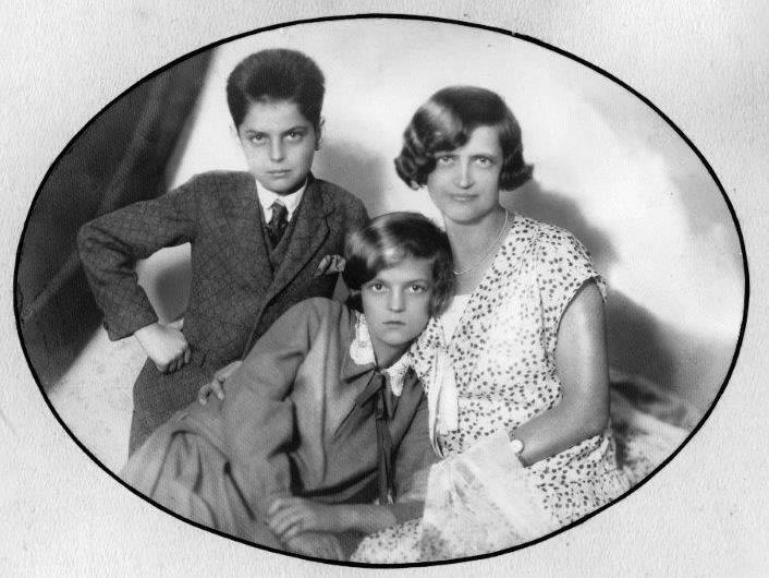 Sin Silvio, hči Herta in Priska Haas
