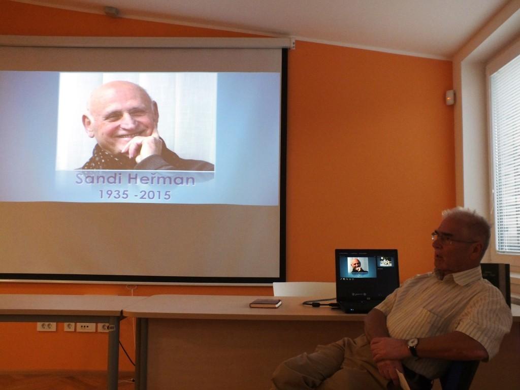 Zlatko Tišljar niza spomine na Aleksandra Heřmana (foto: Zdravko Kokanović)