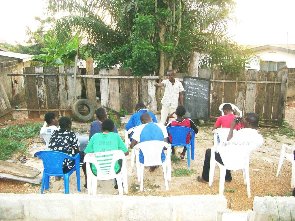 Esperanto-Kurso en urbeto Akim,Ganao,Afriko